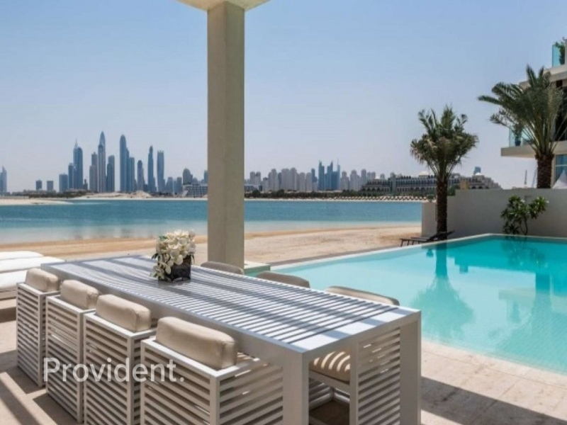 Exclusive 6 B/R Modish Villa In Signature Villas
