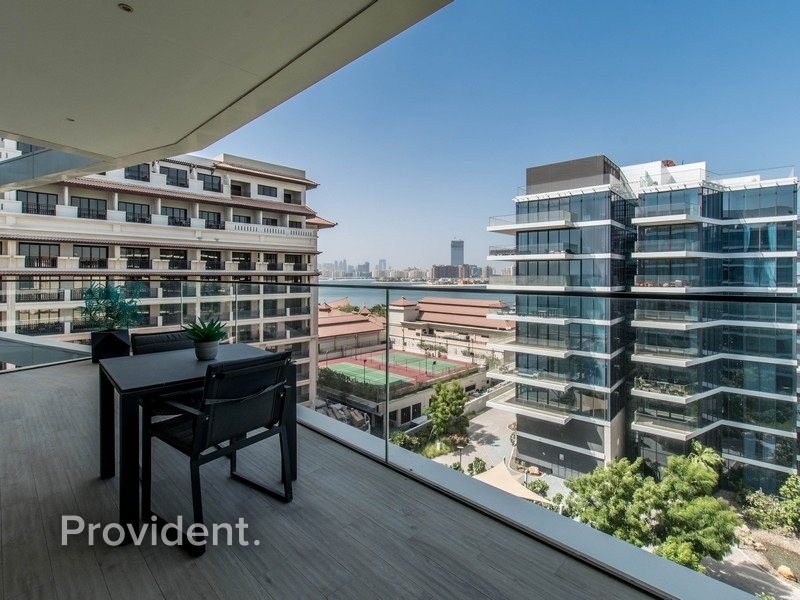Large 1BR Apartment | Sea View | No Agents